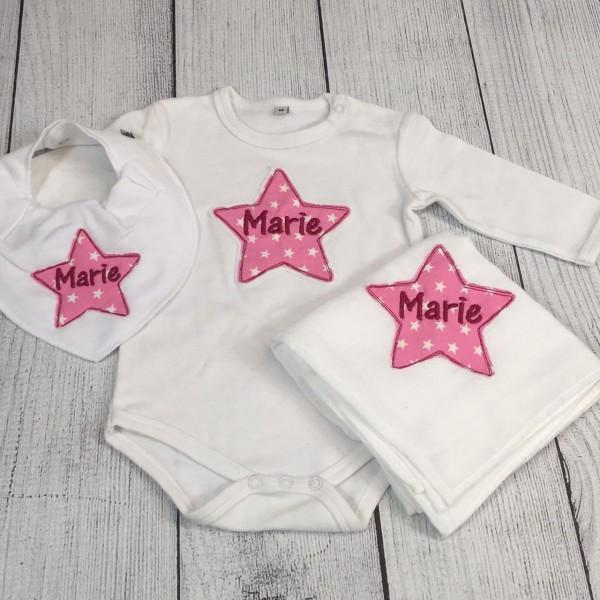 """""""Hallo Baby""""-Set Gr. 56 mit Wunschname weiß/rosa/magenta (Modell Marie)"""