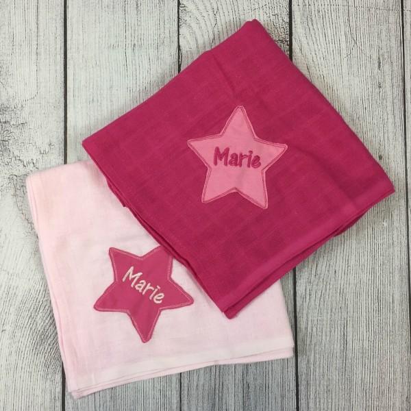 Mulltücher mit Sternapplikation und Wunschnamen im 2er-Set rosa/pink (Modell Marie)