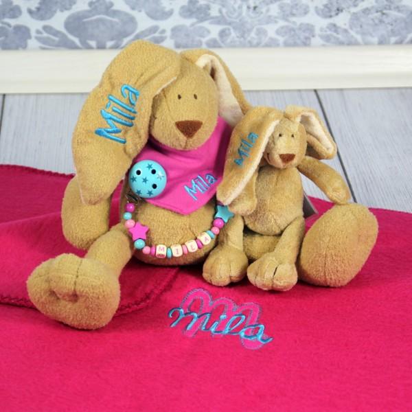 Exklusivset+: Hase, Halstuch, Schnullerkette, Minihase und Decke mit Wunschname (Modell Mila)