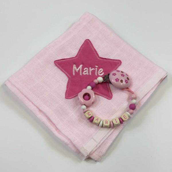 Mulltuch mit Sternapplikation und Wunschnamen und Schnullerkette rosa (Modell Marie)