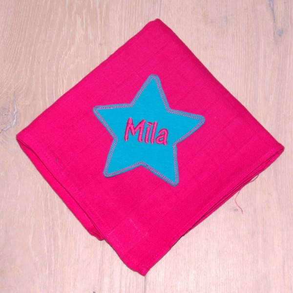 Mulltuch mit Sternapplikation und Wunschnamen pink/türkis (Modell Mila)