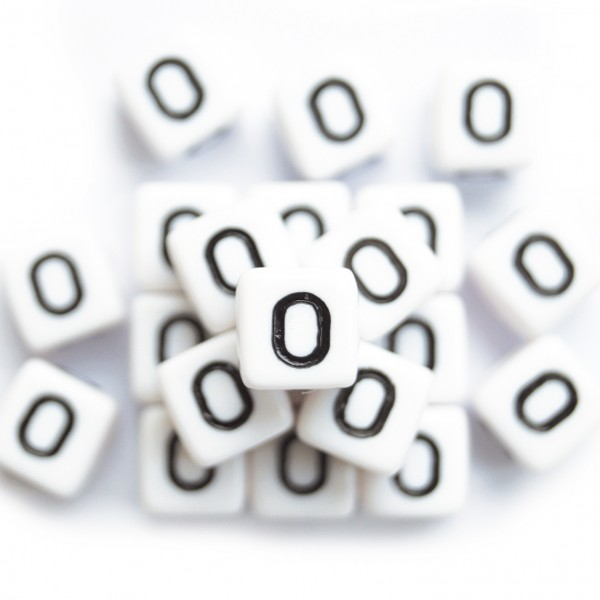 ca. 550 Kunststoffbuchstabenwürfel 10 mm O