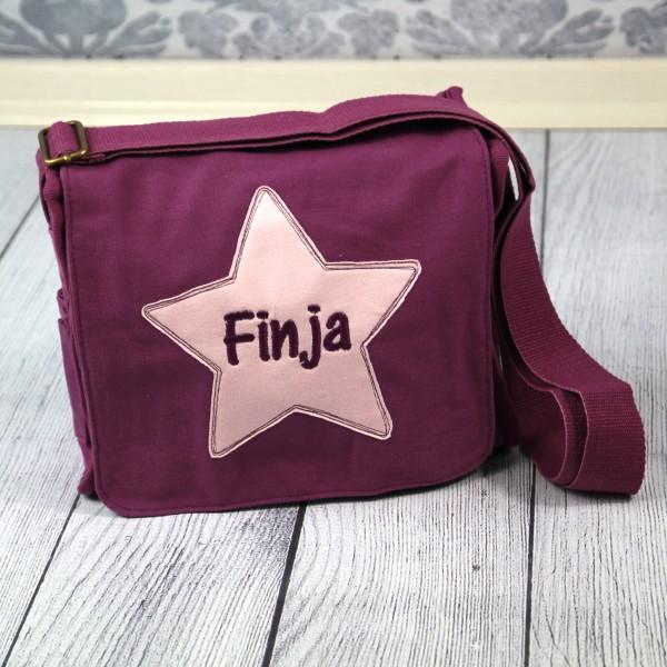 Schultertasche mit Sternapplikation und Name violett (Modell Finja)