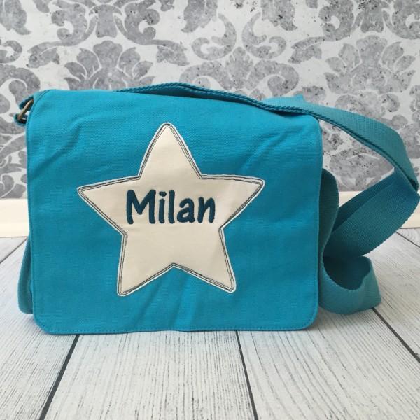 Schultertasche mit Sternapplikation und Name mit Taschenanhänger helltürkis (Modell Milan)