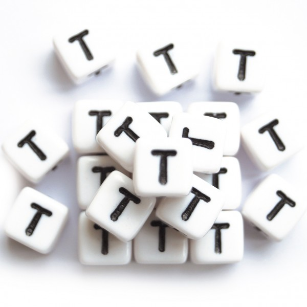ca. 550 Kunststoffbuchstabenwürfel 10 mm T