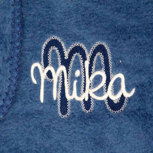 Kuscheldecke mit Deluxe-Bestickung marine (Modell Mika)