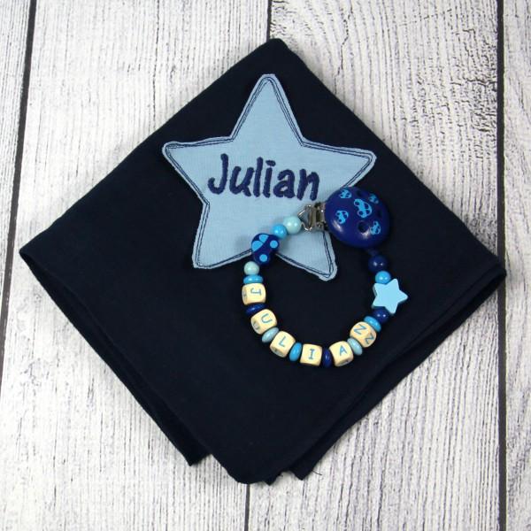 Mulltuch mit Sternapplikation und Wunschnamen und Schnullerkette marine/hellblau (Modell Julian