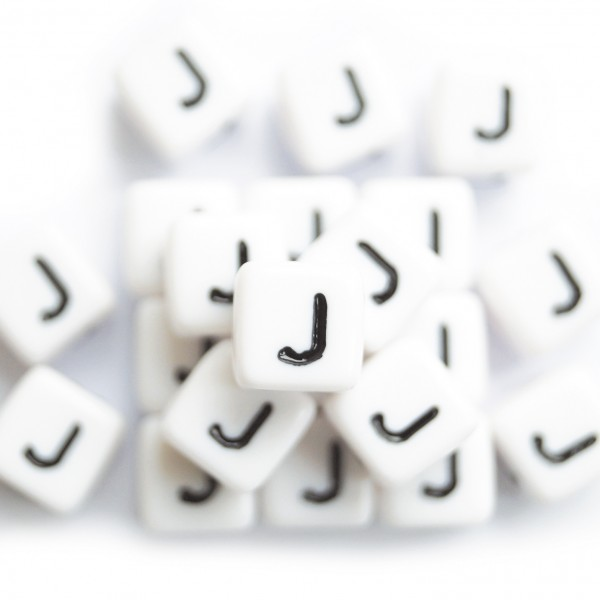 ca. 550 Kunststoffbuchstabenwürfel 10 mm J